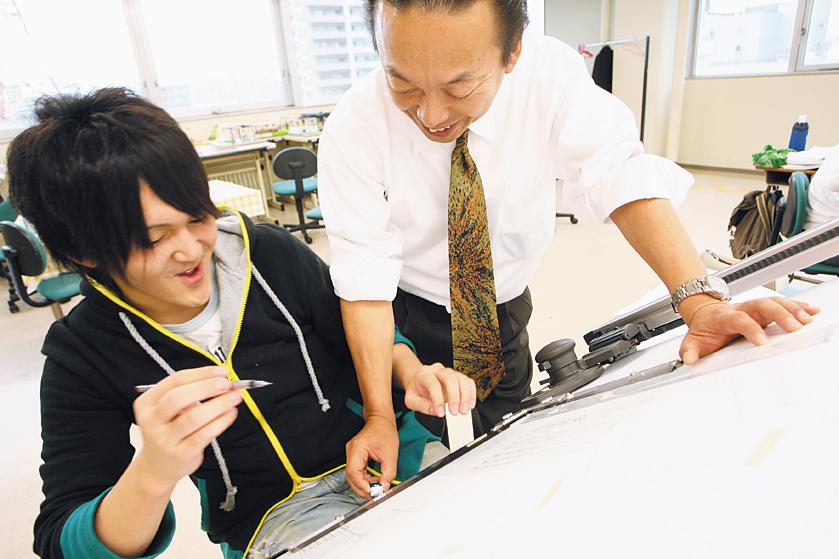 青山建築デザイン・医療事務専門学校